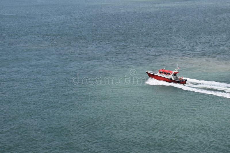 Barco piloto no dever imagem de stock royalty free