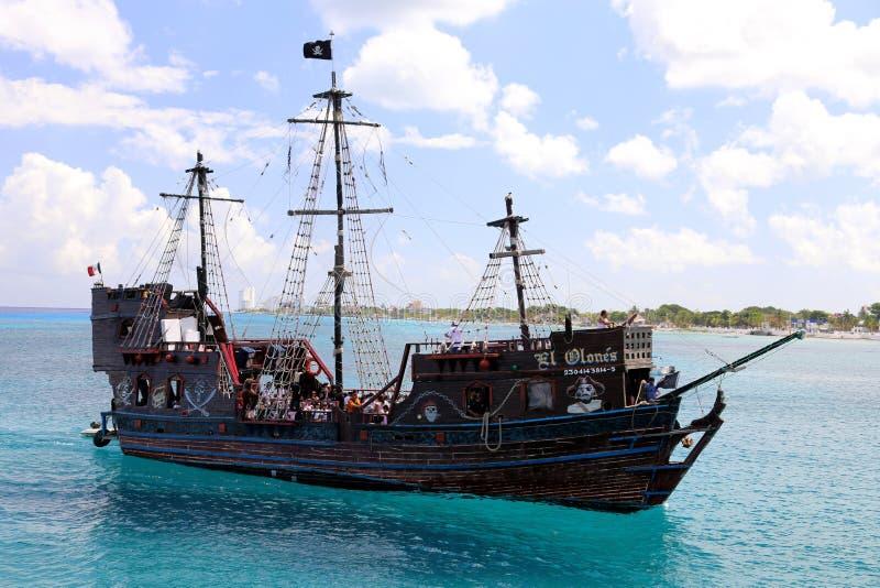 Barco pirata en Cozumel foto de archivo libre de regalías