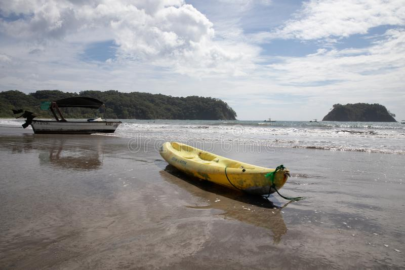 barco Playa Samara Beach Cota Rica imagens de stock royalty free