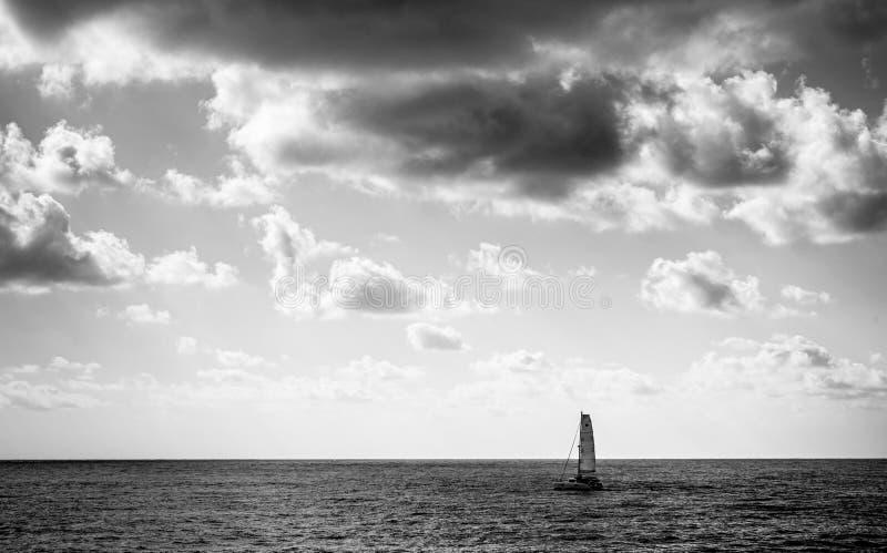 barco por la mañana fotografía de archivo