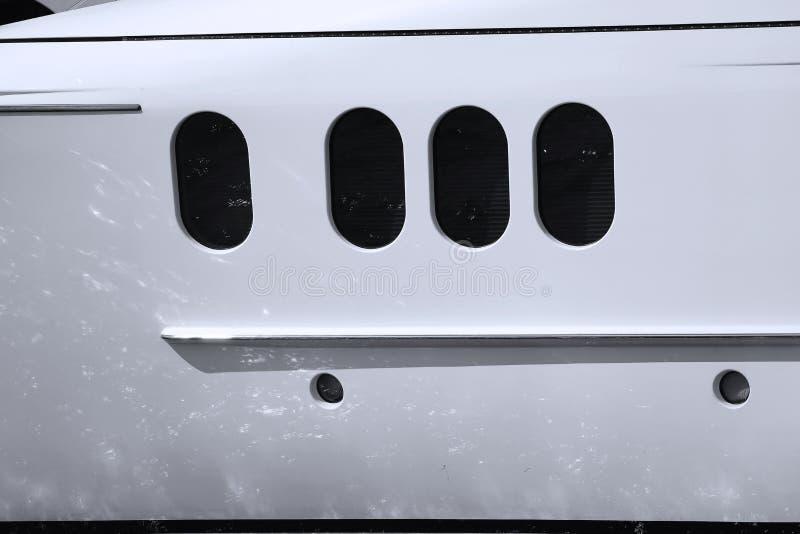 Barco privado em Veneza, Itália, detalhe do close-up das janelas fotografia de stock royalty free