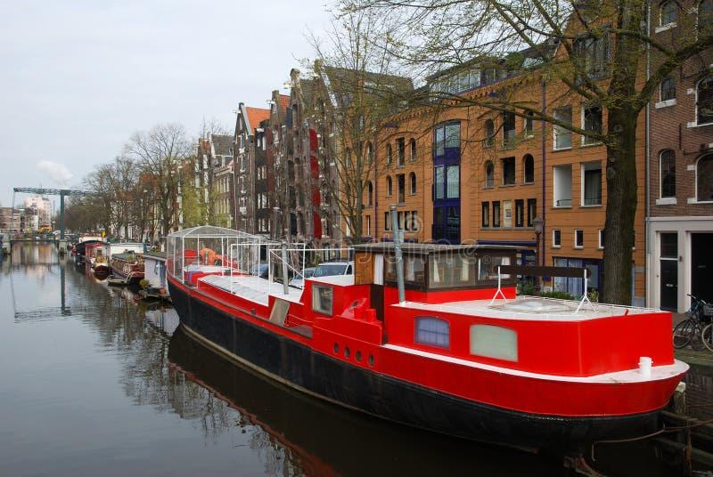 Barco rojo foto de archivo