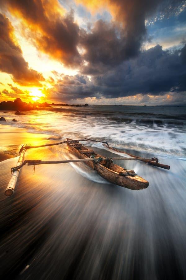 barco tradicional de Indonésia foto de stock royalty free