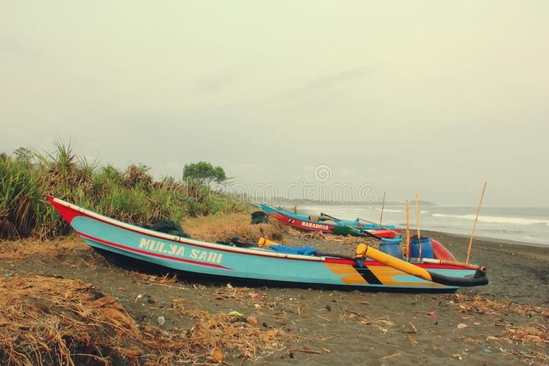 Barco tradicional em Batuhiu fotografia de stock