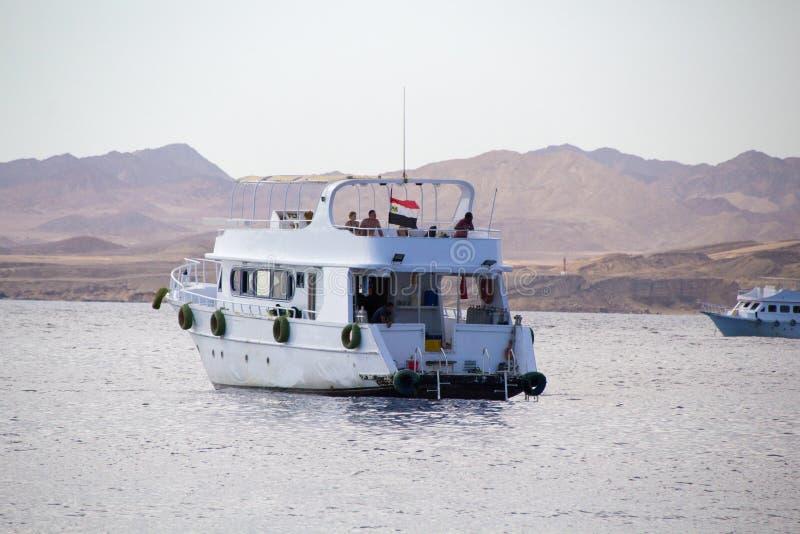 Barco turístico fotos de archivo libres de regalías