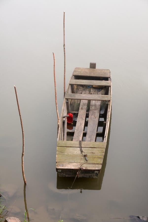 Download Barco foto de stock. Imagem de deficiente, gloom, lago - 29848328