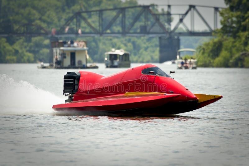 Barco vermelho da raça fotografia de stock