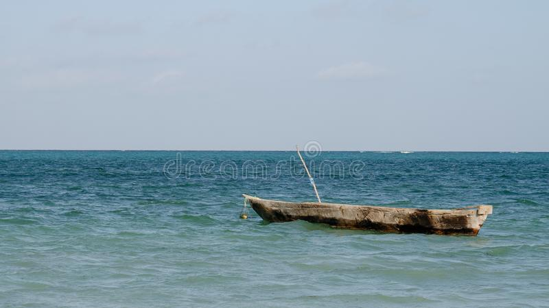 Barco viejo mismo de Zanzibars, Zanzíbar Tanzania, febrero de 2019 fotografía de archivo