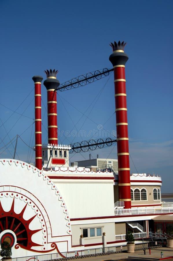 Barco y casino foto de archivo