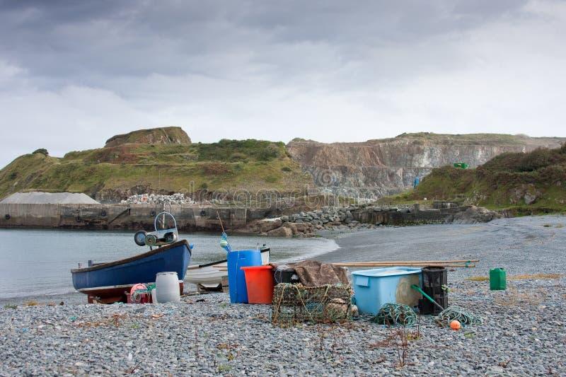 Barco y equipo de pesca con la mina fotos de archivo libres de regalías