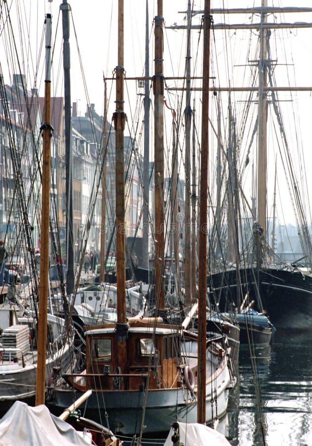 Barcos atracados fotografía de archivo libre de regalías