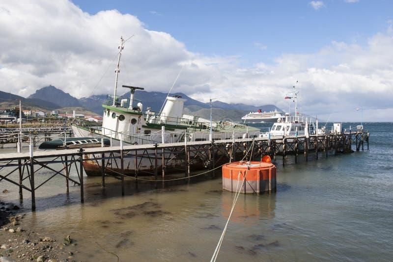 Barcos atracados en Ushuaia fotografía de archivo libre de regalías
