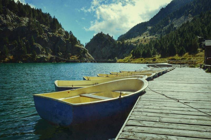 Barcos azules imágenes de archivo libres de regalías