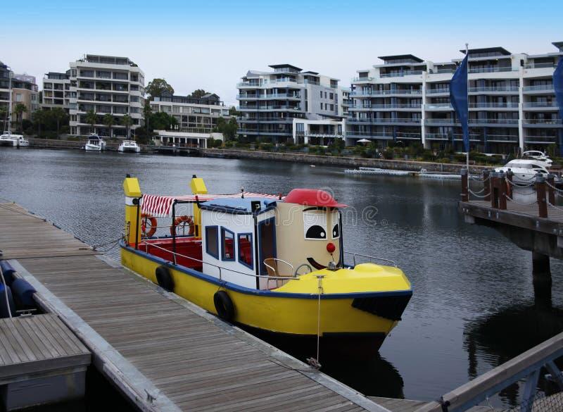 Barcos coloridos em Cape Town, África do Sul. foto de stock