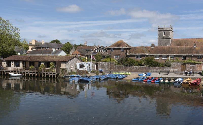 Barcos de alquiler en el río Frome Wareham Inglaterra Reino Unido fotografía de archivo libre de regalías