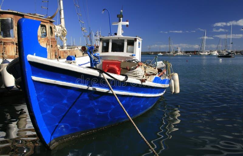 Barcos de Atenas, Greece - de Mikrolimano e de pesca imagem de stock royalty free