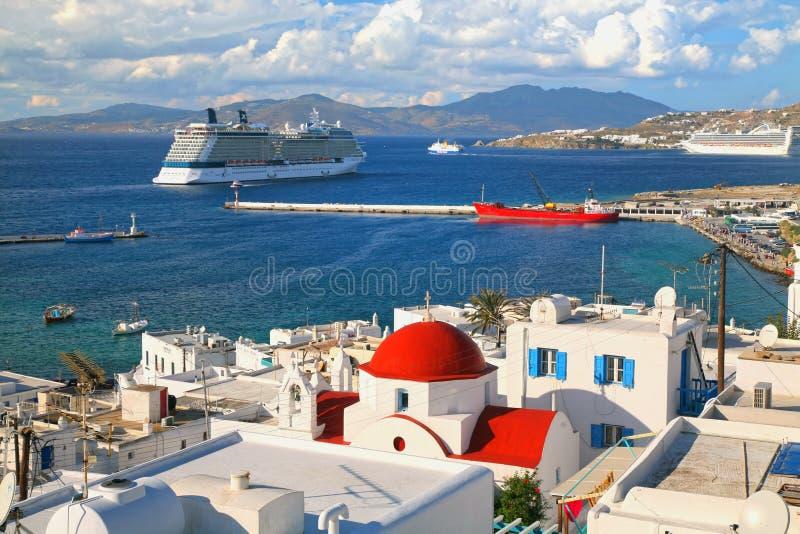 Barcos de cruceros de Mykanos imágenes de archivo libres de regalías
