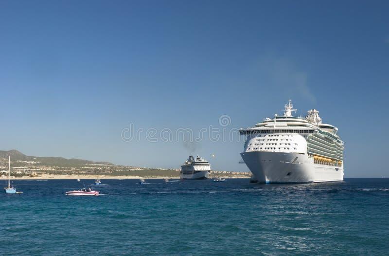 Barcos de cruceros en Cabo San Lucas, México foto de archivo libre de regalías