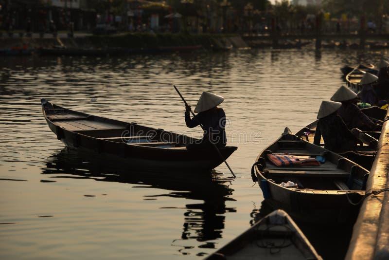 Barcos de Hoian, Hoi An - Vietname imagem de stock