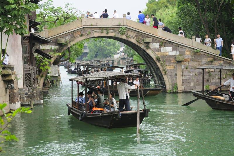 Barcos de la ciudad de Wuzhen imagen de archivo libre de regalías