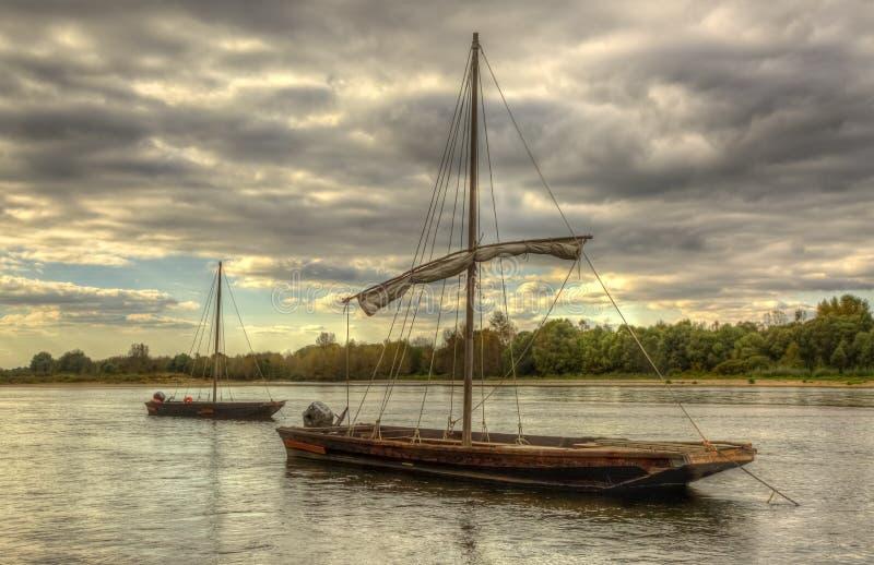Barcos de madeira em Loire Valley imagem de stock royalty free