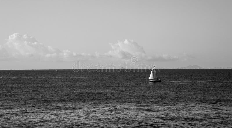 barcos de nuevo a puerto fotos de archivo