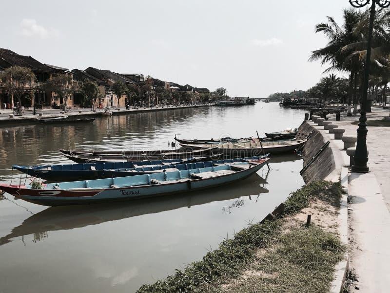 Barcos de pesca de Hoi An Vietnam imagenes de archivo