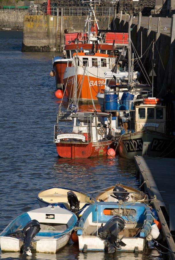 Barcos de pesca del puerto de Padstow imagen de archivo