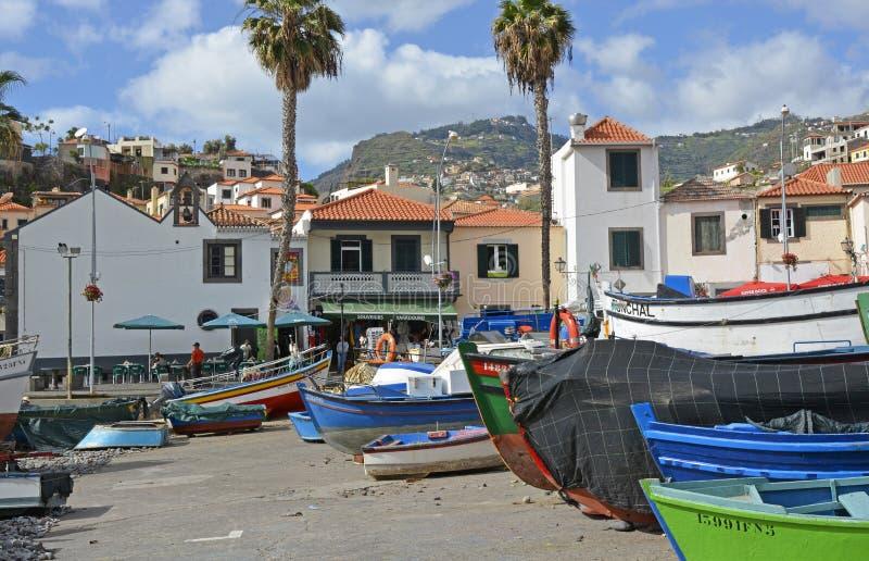 Barcos de pesca em Camara de Lobos, Madeira, Portugal imagem de stock royalty free