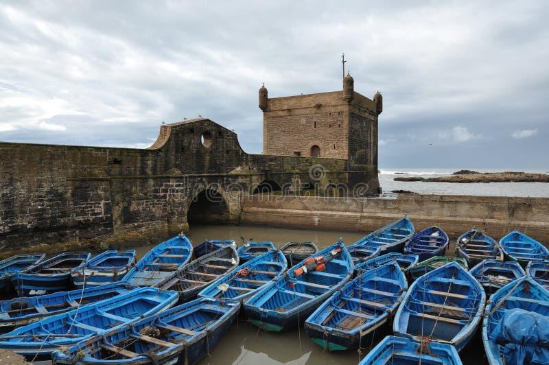 Barcos de pesca em Essaouira, Marrocos imagem de stock