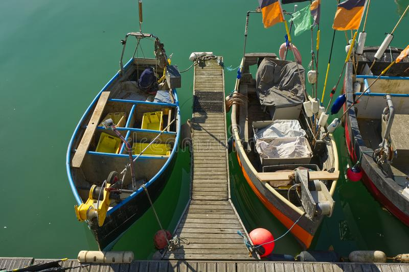 Barcos de pesca en Brighton, Sussex, Inglaterra imagen de archivo