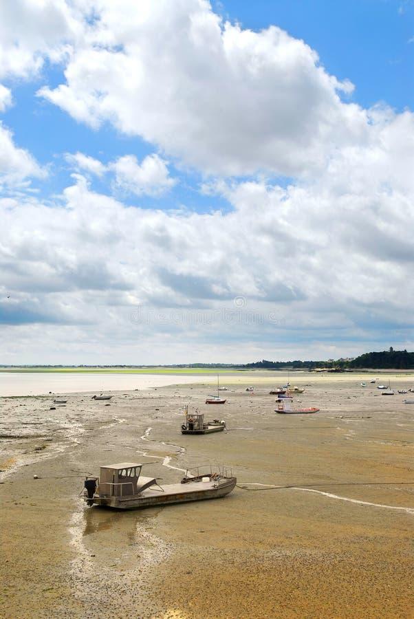 Barcos de pesca en Cancale, Fran foto de archivo