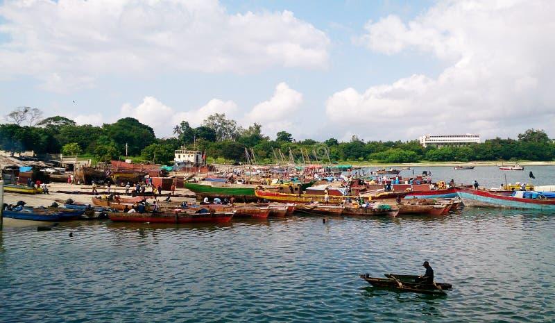 Barcos de pesca en Dar es Salaam imagen de archivo libre de regalías