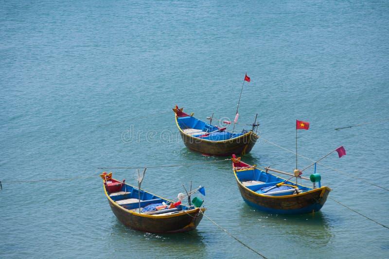 Barcos de pesca en el puerto Vietnam Mui Ne imágenes de archivo libres de regalías