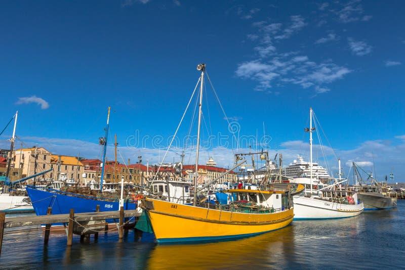 Barcos de pesca entrados no molhe, Hobart imagens de stock royalty free