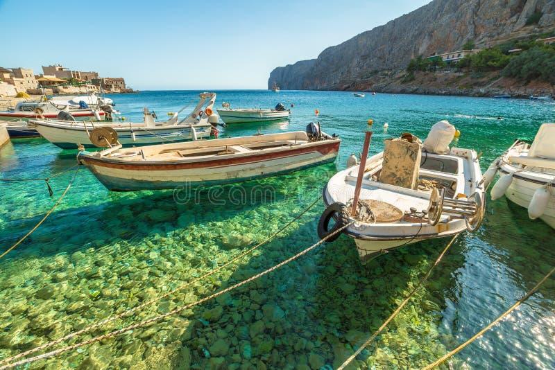 Barcos de pesca Gerolimenas fotografia de stock royalty free