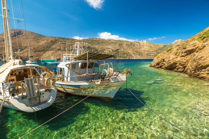 Barcos de pesca Grécia fotos de stock royalty free
