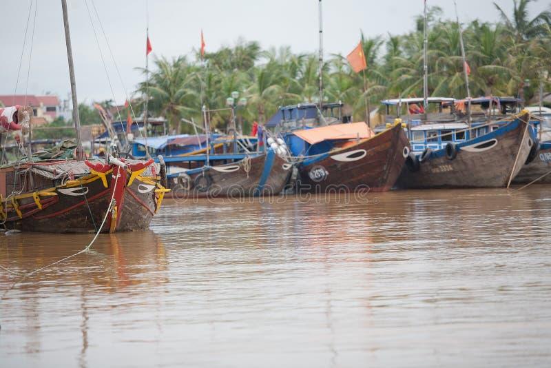 Barcos de pesca Hoi An, Vietnam fotografía de archivo libre de regalías