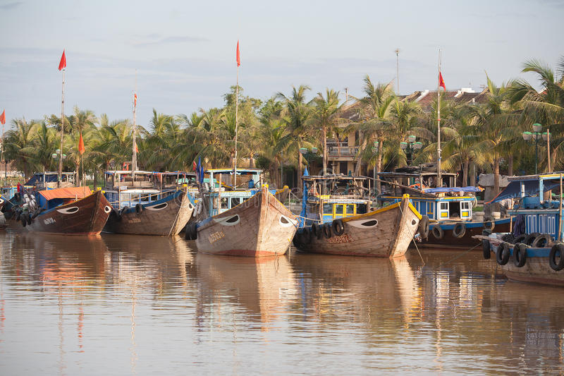 Barcos de pesca Hoi An, Vietnam fotos de archivo