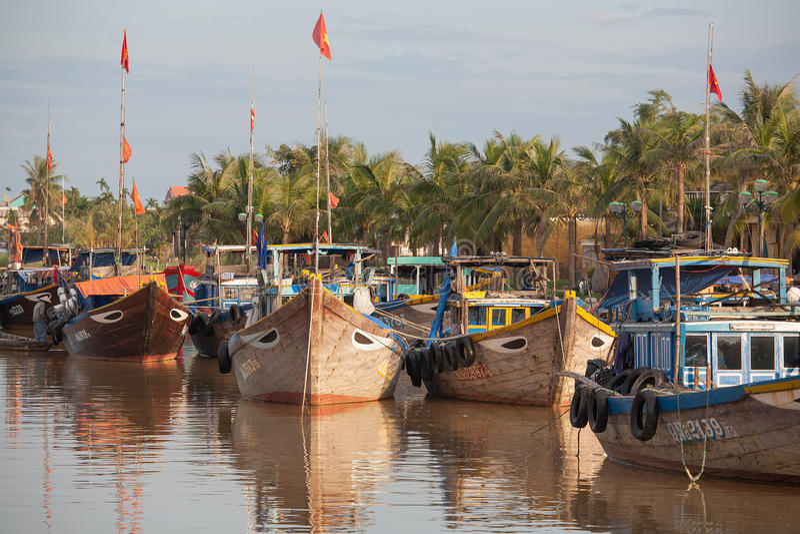 Barcos de pesca Hoi An, Vietnam imagen de archivo libre de regalías
