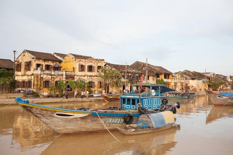 Barcos de pesca Hoi An, Vietnam imagen de archivo