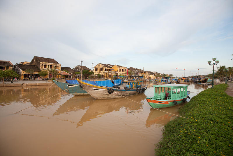 Barcos de pesca Hoi An, Vietnam foto de archivo