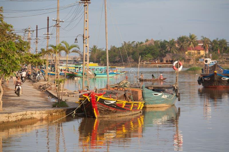 Barcos de pesca Hoi An, Vietnam imágenes de archivo libres de regalías