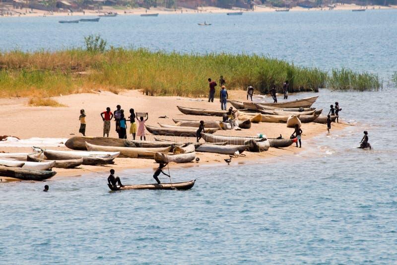 Barcos de pesca no lago Malawi fotos de stock