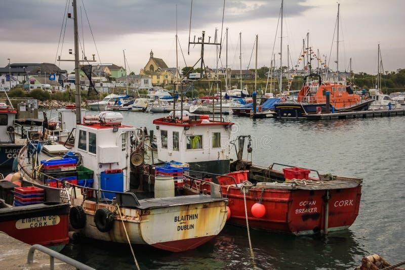 Barcos de pesca no porto Cais de Kilmore Wexford ireland fotos de stock royalty free
