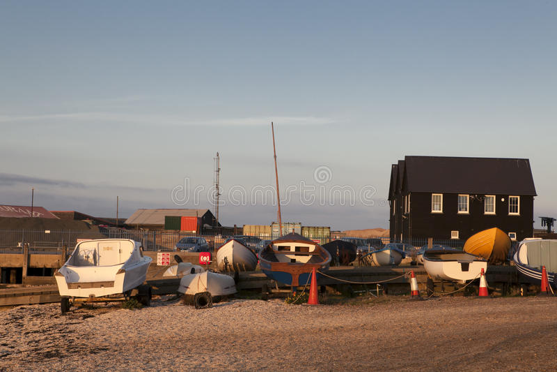 Barcos de pesca no porto em Whitstable, Kent foto de stock royalty free
