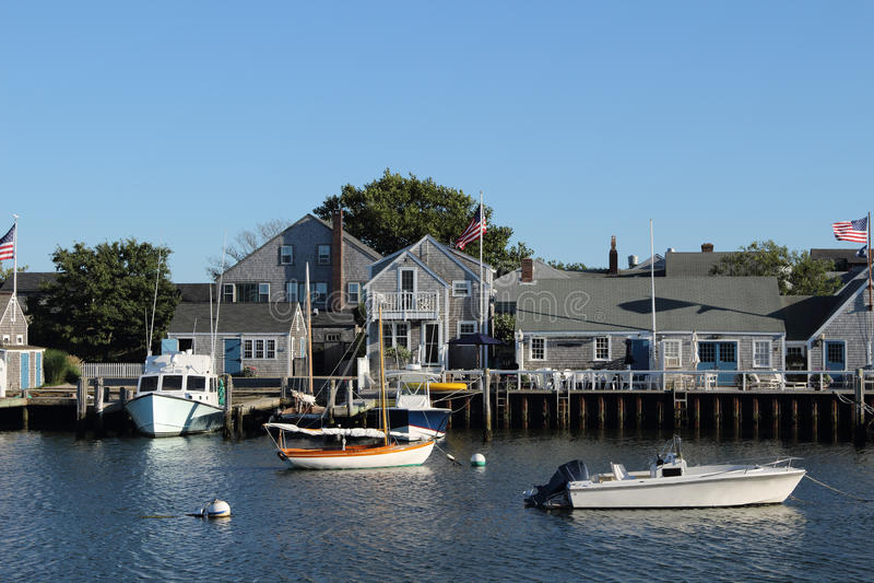 Barcos de placer amarrados en el puerto de Nantucket foto de archivo libre de regalías