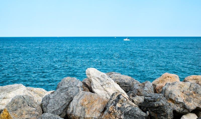 Barcos de placer en el mar foto de archivo libre de regalías