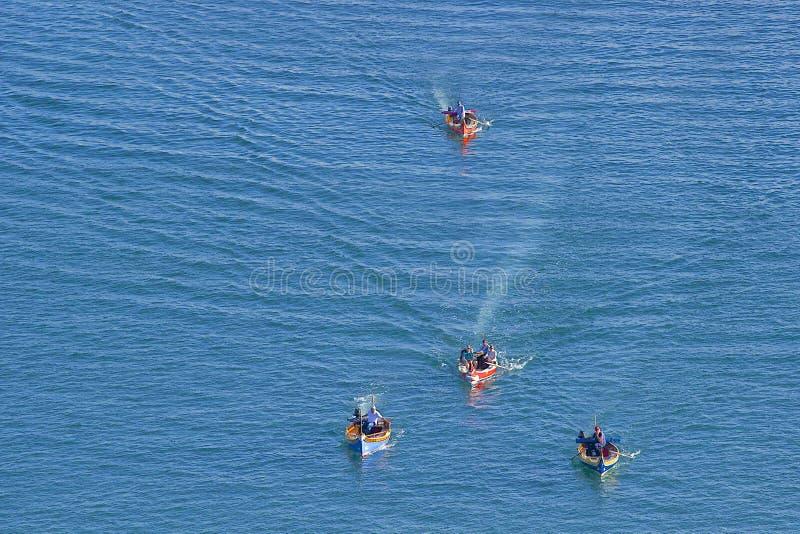 Barcos de turista em valletta, Malta fotografia de stock royalty free
