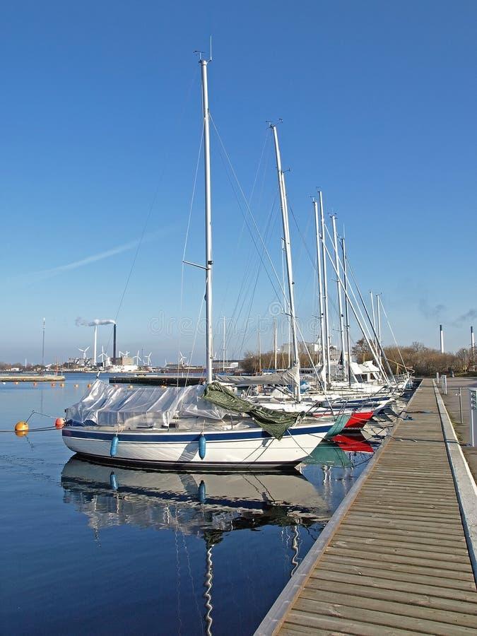 Barcos de vela pequenos imagem de stock royalty free